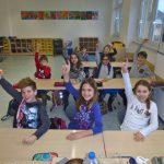 Frisch renoviertes Klassenzimmer gefeiert
