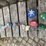 Steinschlange für Zusammenhalt und Hoffnung